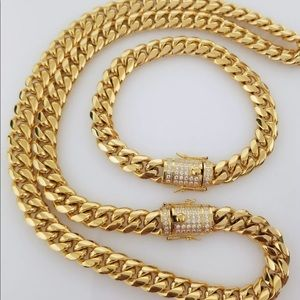 Other - 18k Gold Plated Set of Chain & Bracelet
